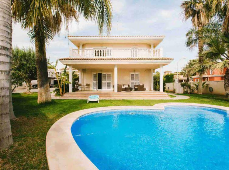 best places to live in Valencia suburbs